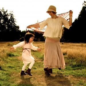 ami & mama dancing